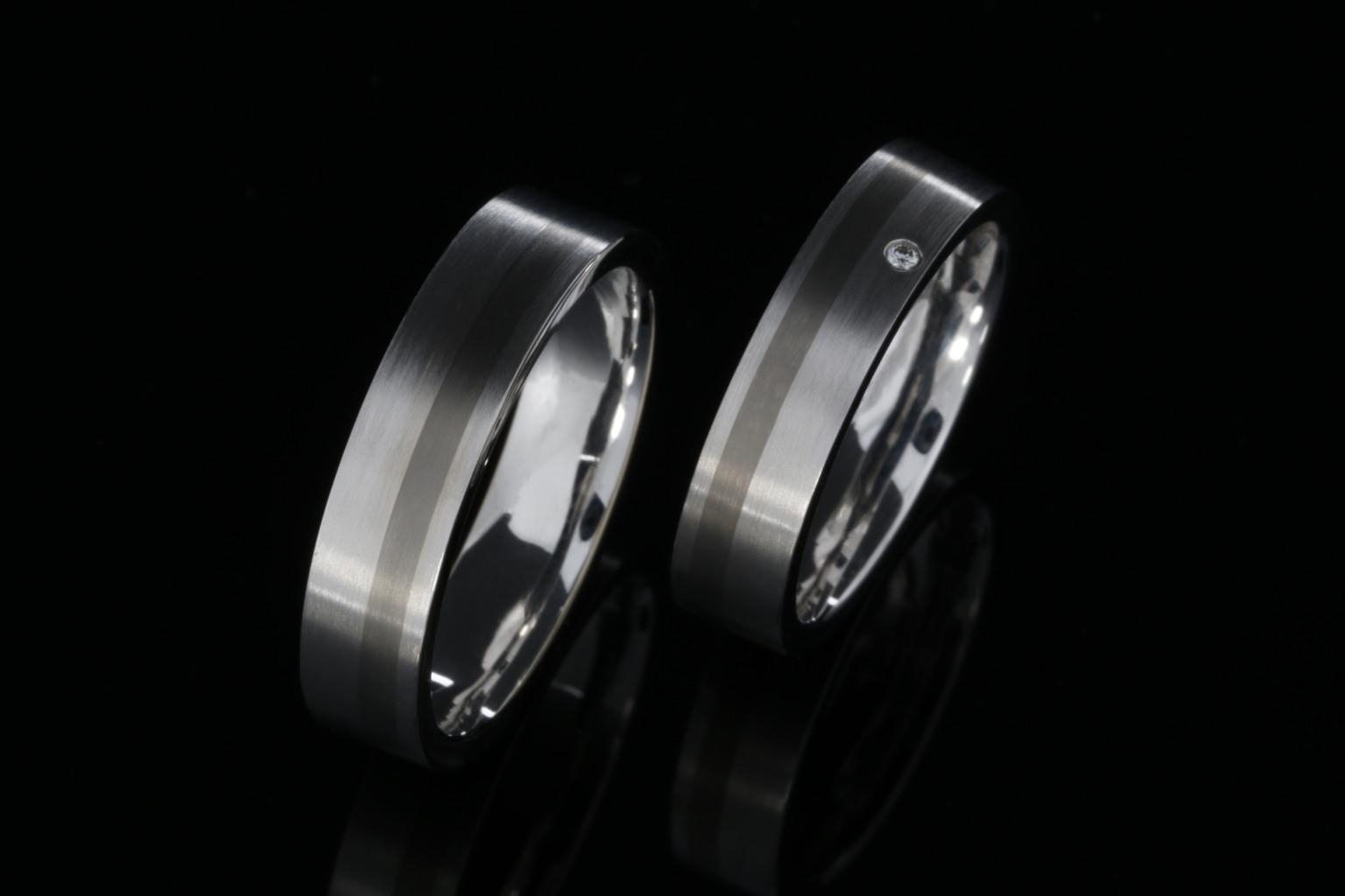 b1a4fda148f FRONT - ehete valmistamine. Valgest kullast ja titaanist abielusõrmused.